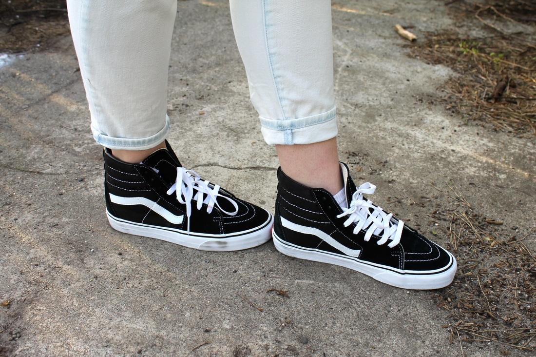 5c60ea32b0a OOTD: I got my vans on but they look like sneakers - Katia